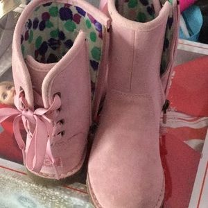 Little Girls Ugg Boots, Size 9, Pink